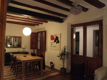Spanish property for sale in: Barcelona in and around the center. Apartment close to Barcelona\'s Rambla