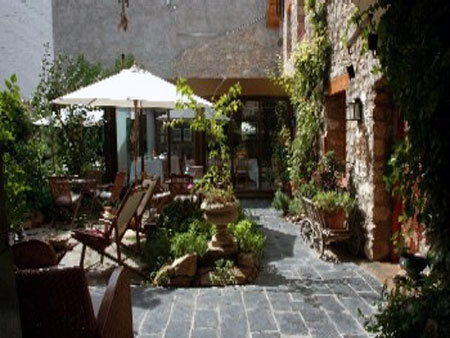 Spanish property for sale in: Farmhouses. Masia / Bed & Breakfast  - 1.050.000 - Euro