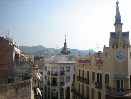Spanish property for rent in: Sitges in and around the center. For Rent: Atico  Sitges centrum  52m2  1000