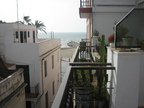 Spanish property for sale in: Sitges in and around the center. Sunny apartment only 50 meters from the beach